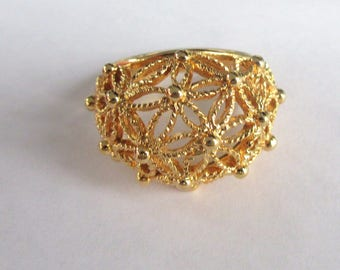 Gold Tone AVON Ring, Open Filigree Dome Style- SIZE 7.5-With Original Box
