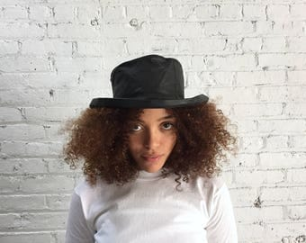 floppy 90's blossom hat / black leather bucket hat with quilted brim