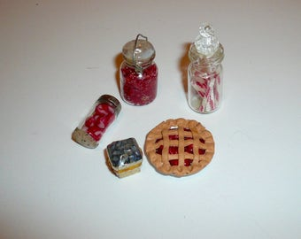 Dollhouse Miniature Food Pie Candy Jars Blueberries Collectible Miniatures