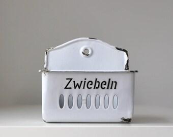 German Enamelware Wall Pocket, Enamel Zwiebeln Holder, Vintage Enamelware, European Enamelware, Vintage Kitchen Storage, Rustic Farmhouse
