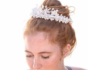 Vintage Wedding Crown Pearlized Bridal Headpiece of Vintage Pearlized Wax Flowers Ivory Vintage Pearl Tiara Bridal Headband