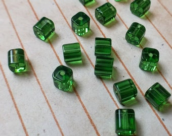40 glass cube beads, green, 4mm