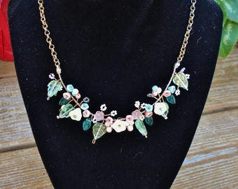 Handmade Vintage Style Glass Flower Necklace