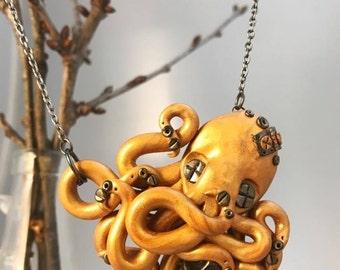 Dead Men's Tales, Golden Octopus Necklace