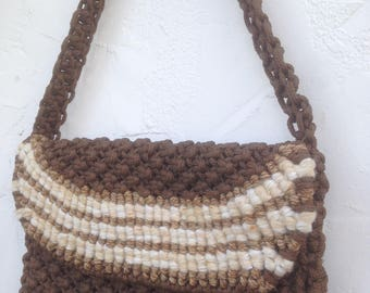 All KNOTTED Up Over You ! / Vintage 70's MACRAME Boho Purse / Beige Earth Tones