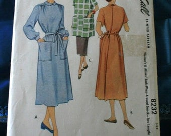 1950 McCall 8232 women's and misses' back wrap around smock. SIze small 10-12