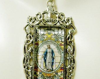 Miraculous medal pendant with chain - AP12-305
