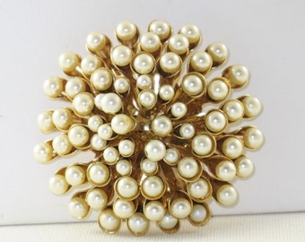 Vintage Large Gold Tone Faux Pearl Domed Brooch Pin (B-3-6)