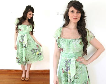 70s Green Floral Spring Dress / 1970s Fluttery Green Floral Sheer Boho Dress