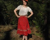 Size Small... Vintage French Folk Skirt... 1970s Cotton Boho Skirt... Buttons and Pockets... Adorable French Vintage