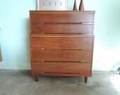 MID CENTURY MODERN 5 Drawer Dresser (Los Angeles)