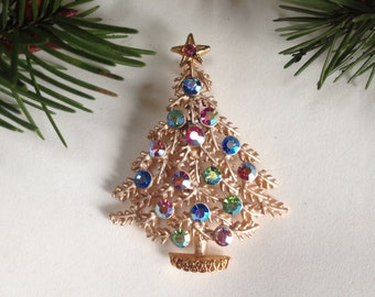 Sweetest Rhinestone Christmas Tree Brooch – 1970s Holiday Jewelry