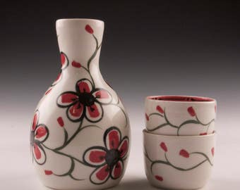Porcelain Sake Set - Hand Painted Red and White Sake Set - Sake Bottle and Cups - Red and White Sake Set - Wedding Registry - Gift - Sushi