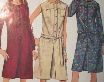 Simplicity 6627 Vintage 1960's Inverted Pleat Yoke Top Shift Dress Pattern - Sleeveless Shift Dress Pattern - Mid 60's Shift Size 12 Bust 32