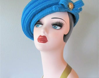 Fabulous Vintage 1960's Bright Blue Beret Hat / Ladies Retro Knit Everitt Tilt Hat