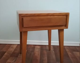 End Table, Nightstand, Side Table, Conant Ball,  Russel Wright Square Tapered Legs, Untouched Pristine Original