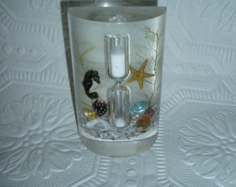 Florida Lucite Minute Hourglass Egg Timer Tropical Seahorse Shells Starfish Mid Century Souvenir