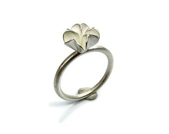 Silver Ring In Flower Shape / Ag 925 / Sterling Silver / Flower Ring / Sakura