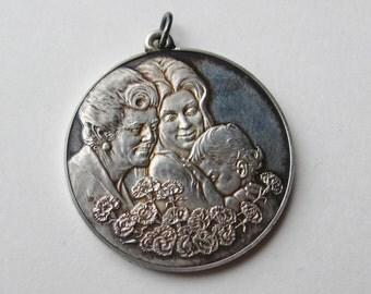 Vintage 1972 Sterling Silver Mother's Day Franklin Mint Necklace Pendant 14g