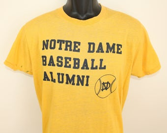 Notre Dame Baseball Alumni #18 vintage t-shirt Short Large yellow 70s 80s soft thin stretchy