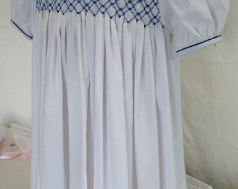 Hand Smocked Dress, size 4-5 years, white #725