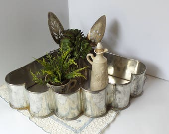 Retro Kitchen CAKE PAN, Vintage Cake Pan, FAN Shape Cake Pan, Farmhouse Metal Tray, Cake Pa, Metal Tray