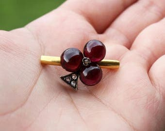 Vintage Garnet and Rose Cut Diamond 14k Gold and Sterling Silver Trefoil or Club Brooch