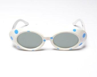 vintage 50s 60s polka dot sunglasses white oversize Foster Grant USA mod space age 1950 1960 eyewear white plastic