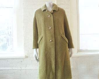 1950s Green Wool Coat 50s Vintage Chartreuse Wool Boucle Large Gold Rhinestone Buttons Medium Winter Mid Century Car Coat Sycamore Lucy Coat