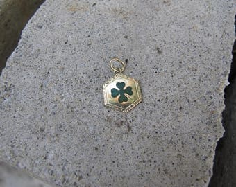 Vintage 14k Yellow Gold Enamel Shamrock Four Leaf Clover Good Luck Charm Pendant