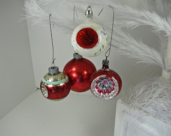 Vintage MERCURY Glass ORNAMENTS Set/4 Red INDENTS & Glitter Christmas Tree