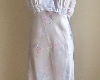 Vintage 1930s 40s Glamorous Silvery Lavender Satin Nightgown Nightie 4 6 8