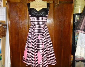 1950s Style Pink and Black Harequin Shelf Bust full Circle Skirt Dress Size Medium Ready to Ship