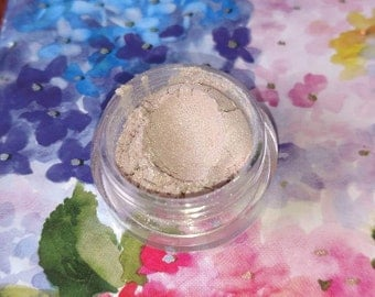 Fairy Dust - delicate rosy pink with green shift mineral eyeshadow 5 gram VEGAN