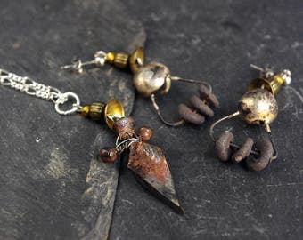 primitive jewelry, raw jewellery, disc earrings, arrow necklace