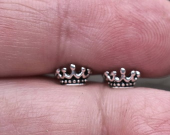 Vintage 925 Sterling Silver Crown Stud Earrings