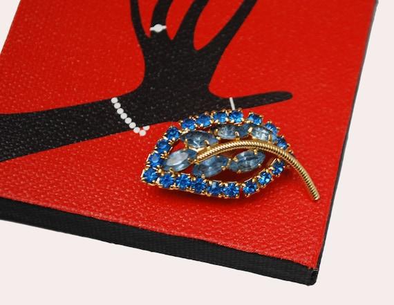 Blue Rhinestone Leaf brooch - mid century = gold blue Pin