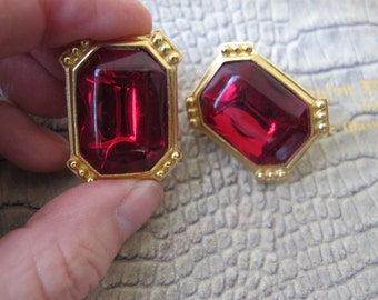 TRIFARI Statement Runway 1980's Style Red Stone Gold Tone Earring, Clip On, Clip Back Earrings/Designer Signed Trifari TM Clip Earrings