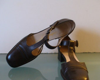 Salvatore Ferragamo Boutique Made in Italy T-Strap Mary Janes Size 7 N