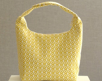 Women Lunch Bag,Insulated Lunch Bag,Small Purse,Fabric Lunch bag,Fabric Bento Bag, Baby Food Carrier,Lunch Bag,Golden Yellow Tiny Quatrefoil