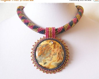 CHRISTMAS SALE Beadwork Bead Embroidery Pendant Necklace with Mexican Crazy Agate - DREAMING a Dream - Geometric - Fall Fashion - grey - red