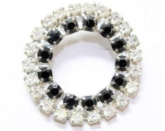 Sparkly Black Clear Rhinestone Diamante Silver Coloured Circle Vintage Brooch (c1960s)