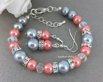 Coral and Grey Bracelet, Silver and Coral Bracelet, Gray Bracelet, Bridesmaids Bracelet, Coral Wedding, Coral Jewelry, Coral Bracelet