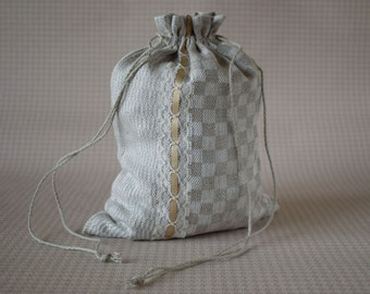 Fabric gift pouch Natural linen Drawstring bag 10 x 8 inch Gray Checkered cloth favor pouch with lace trimming