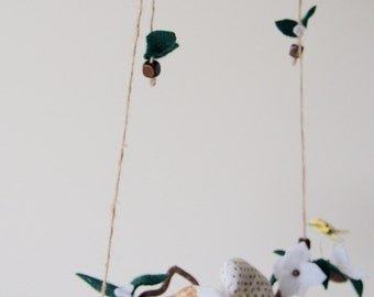 Woodlands Baby Mobile - Birds and Felt Flowers Mobile -  Gold & White