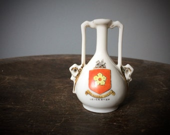 Vintage Miniature Bud Vase Semper Eadem Leicester Crest Elizabeth I 1st Motto Tiny Ceramic Vase Collectible England English Travel Souvenir