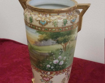 Nippon Japanese Hand Painted Gold Moriage Handled Vase