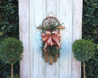 Sled Decoration, Sled door hanger, Christmas Sled, Christmas door hanger, sled decoration, Winter door hanger, Christmas Wreath for door.