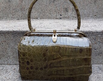 Vintage Saks 5th Ave Green Crocodile Hand Bag