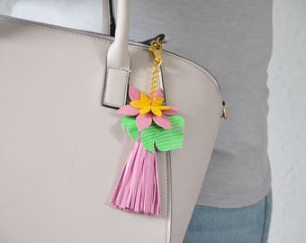 Bag charm boho, Leather tassel bag charm, Pink bag accessory, Leather keychain, Beach bag charm, Long keyring, Leather gift for wife,For her